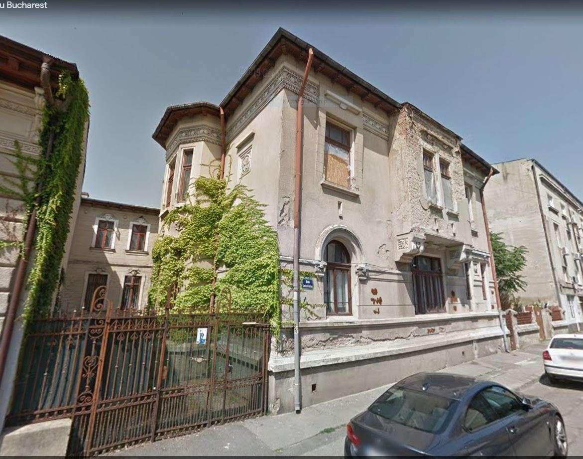 fatada casa stil romanesc nerestaurata 1