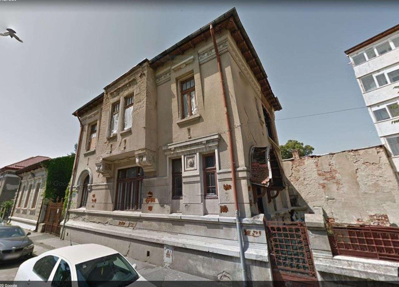 fatada casa stil romanesc nerestaurata 4