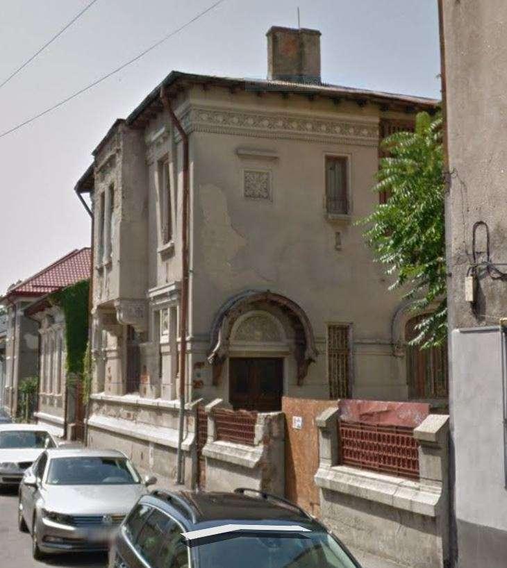 fatada casa stil romanesc nerestaurata 5